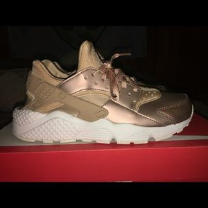 Rose gold limited Nike Huaraches